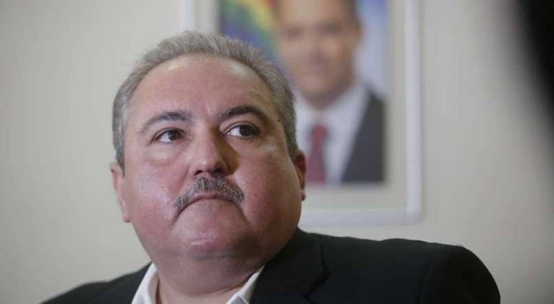 Secretário Estadual de Saúde, André Longo, apresenta atualização de casos do novo coronavírus em Pernambuco