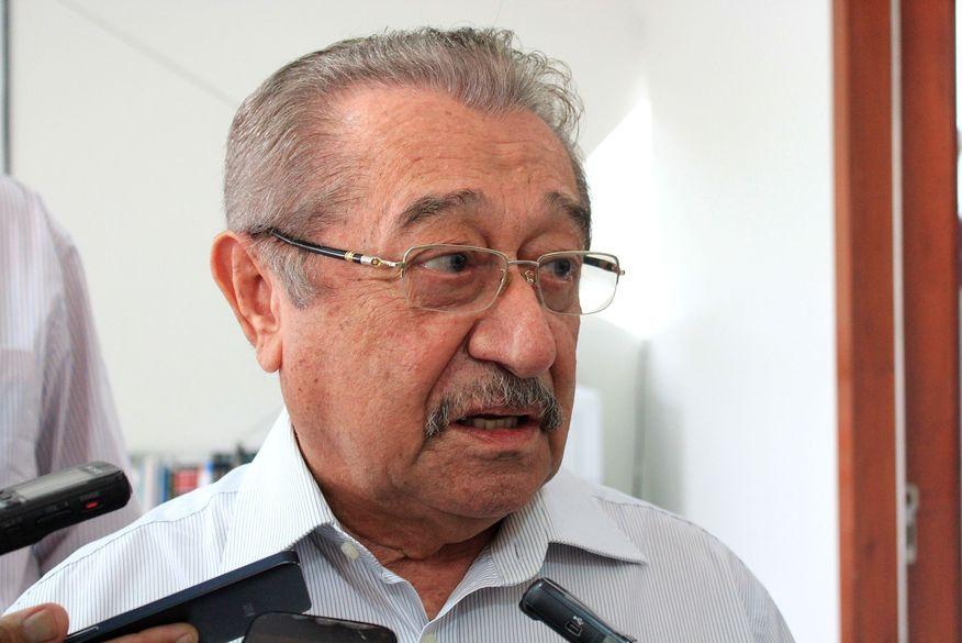 Com covid-19, senador José Maranhão é transferido para UTI