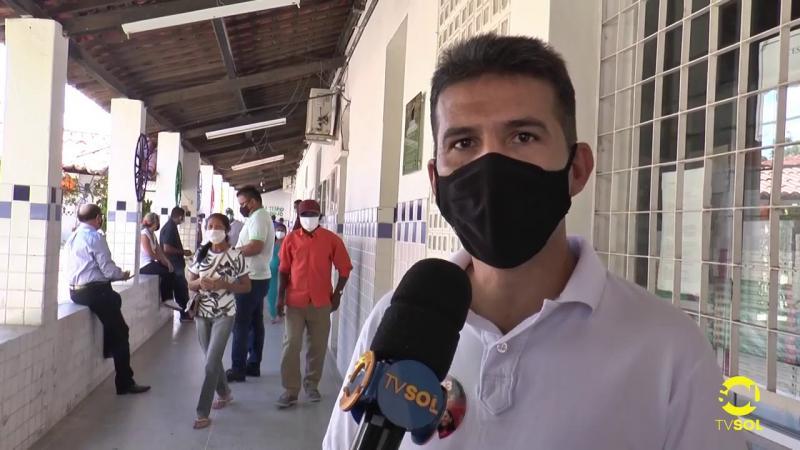 Neto da Barra foi o primeiro candidato a votar em Santa Luzia