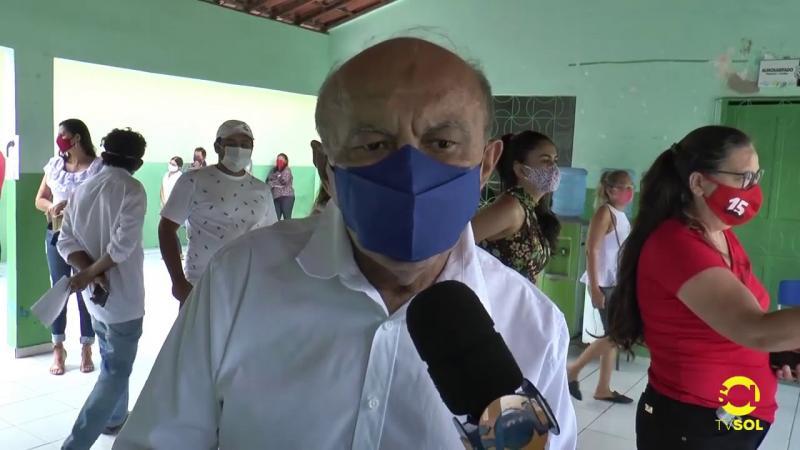 Ademir foi o segundo candidato a comparecer nas urnas deste domingo