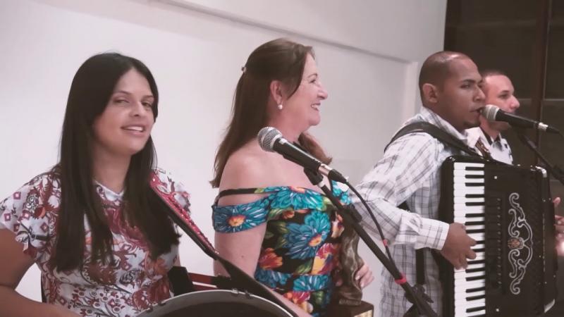 Santura é homenageada com o troféu Waldemar Duarte
